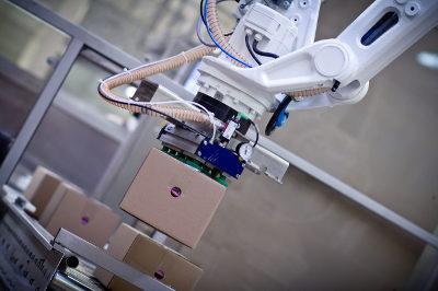 Roboter palletiert
